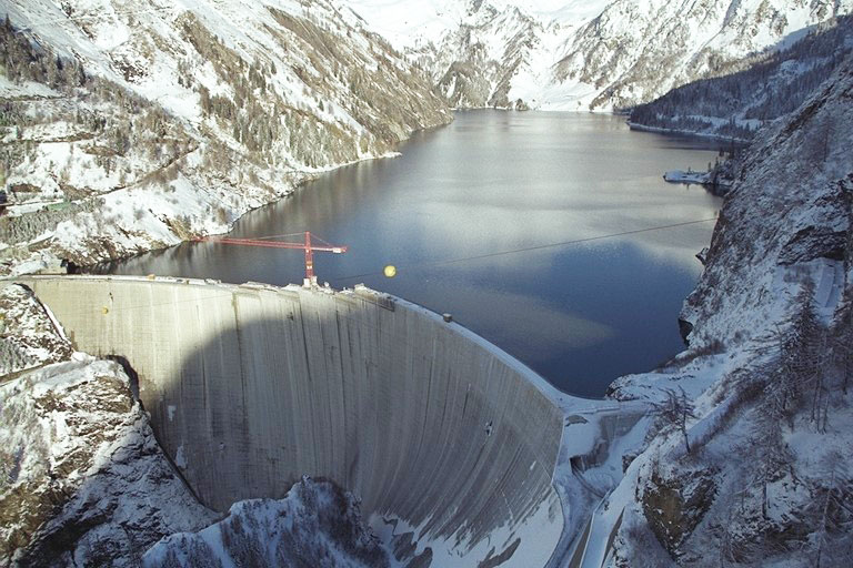Does Switzerland need more dams and reservoirs?