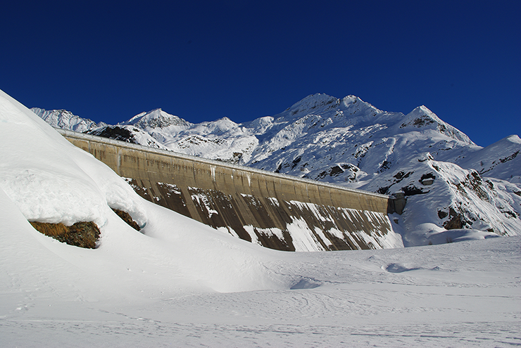Hydropower and glacier retreat: what is at stake?